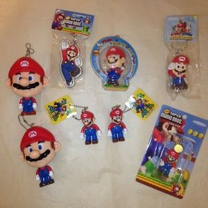 8 assorted super Mario keychains